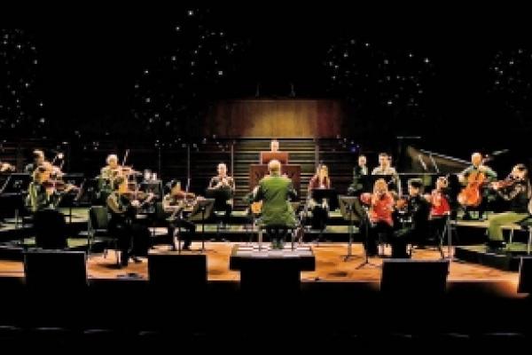 Les Violons du Roy offer a free Baroque Christmas concert