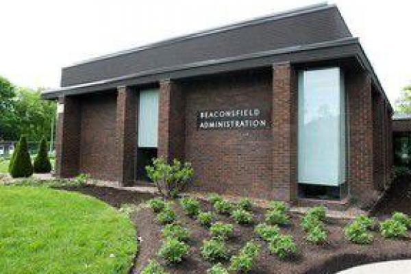 Beaconsfield reaffirms bilingual status