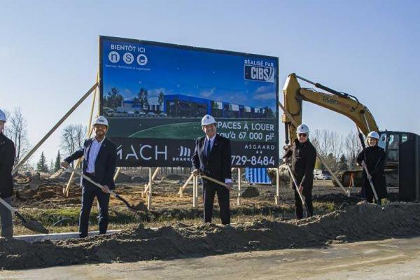 Construction of a 200,000 square foot building in Saint-Eustache