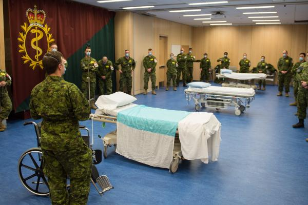Canadian Armed Forces send medics to assist at Laval seniors residence