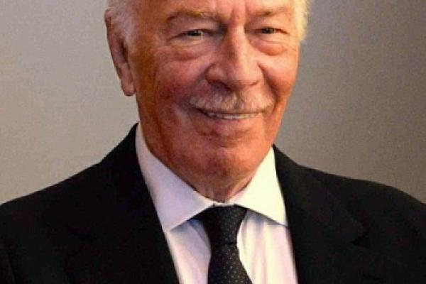 Canadians mourn the passing of Christopher Plummer