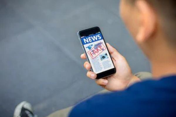 Opinion—Why are we still trusting Social Media for our daily news?