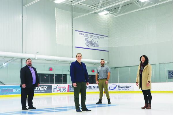 Bishop's hockey coach helps launch Women's Hockey Institute
