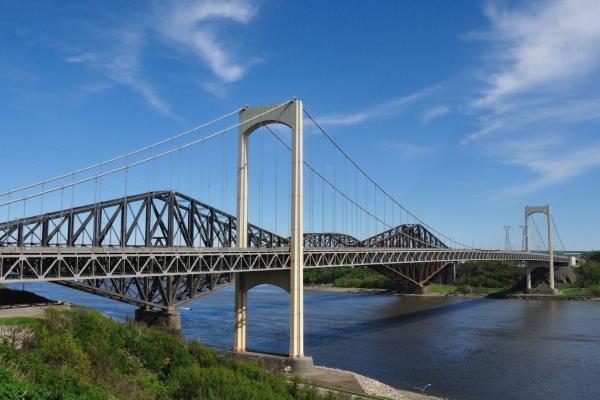 Cities on both shores brace for monster congestion on Laporte bridge