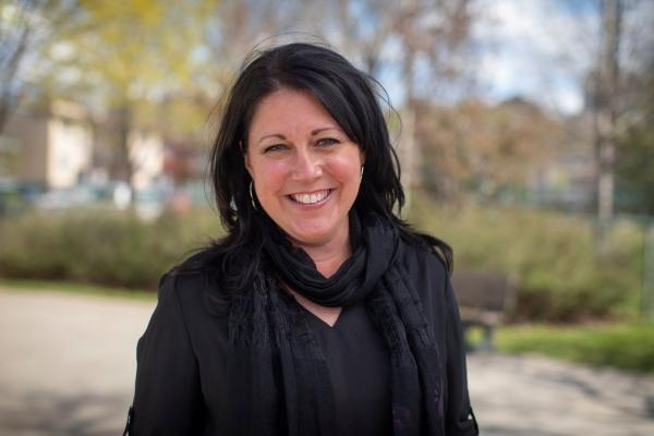 Labeaume passes torch to Marie-Josée Savard for mayoral run