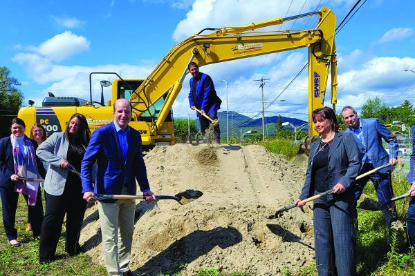 Magog breaks ground on new 'maison des aînés'